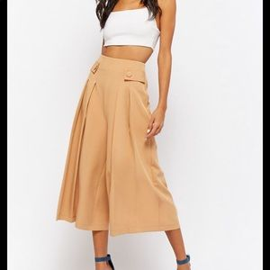 Forever 21 woven pleated culottes NWOT